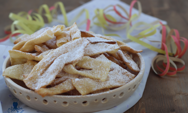 Chiacchiere di suora, ricetta romagnola tradizionale  di Carnevale