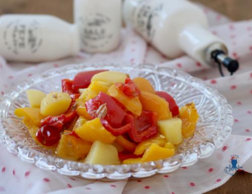 Peperoni e patate in padella, contorno di facile preparazione