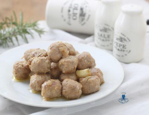 Bocconcini di salsiccia al rosmarino, ricetta di facile  preparazione