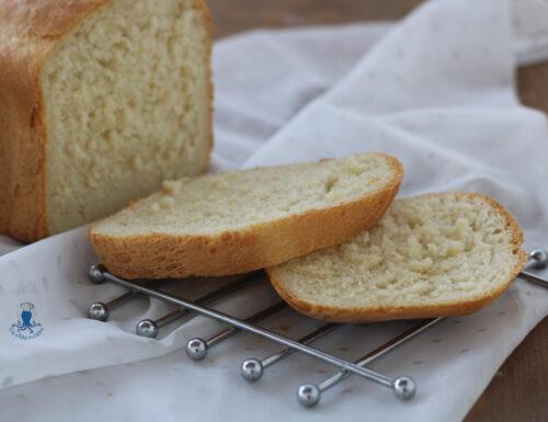 Pane al latte con la macchina del pane, sofficissimo e profumatissimo
