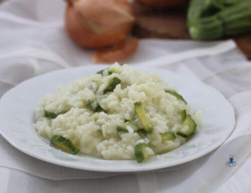 Risotto alle zucchine, ricetta con e senza il Bimby