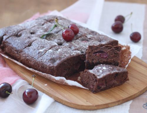 Brownies con le ciliegie, ricetta golosa di facile preparazione