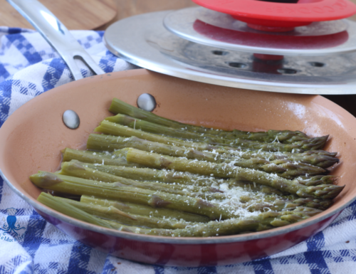 Asparagi in padella con Magic Cooker, ricetta facile e veloce