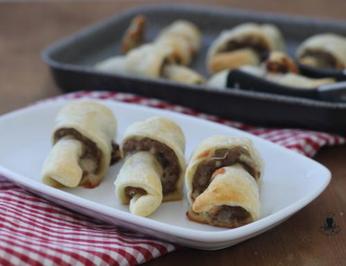 Croissant di sfoglia con la tritata, ricetta sfiziosa e stuzzicante.