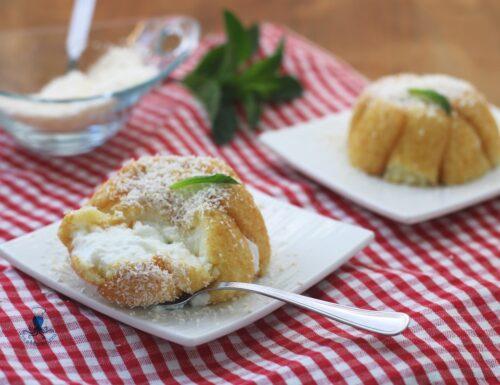 Dolce fit al cocco, ricetta facile e veloce con yogurt greco