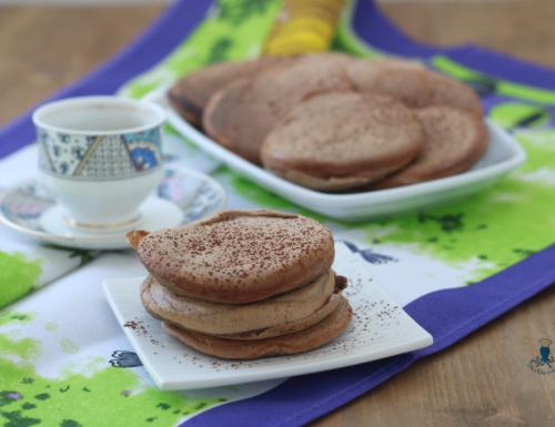 Pancake fit con  avena al cioccolato, ricetta con yogurt greco