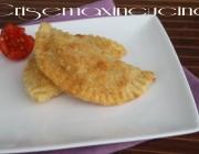 Mezze lune pomodoro e mozzarella, ricetta senza burro