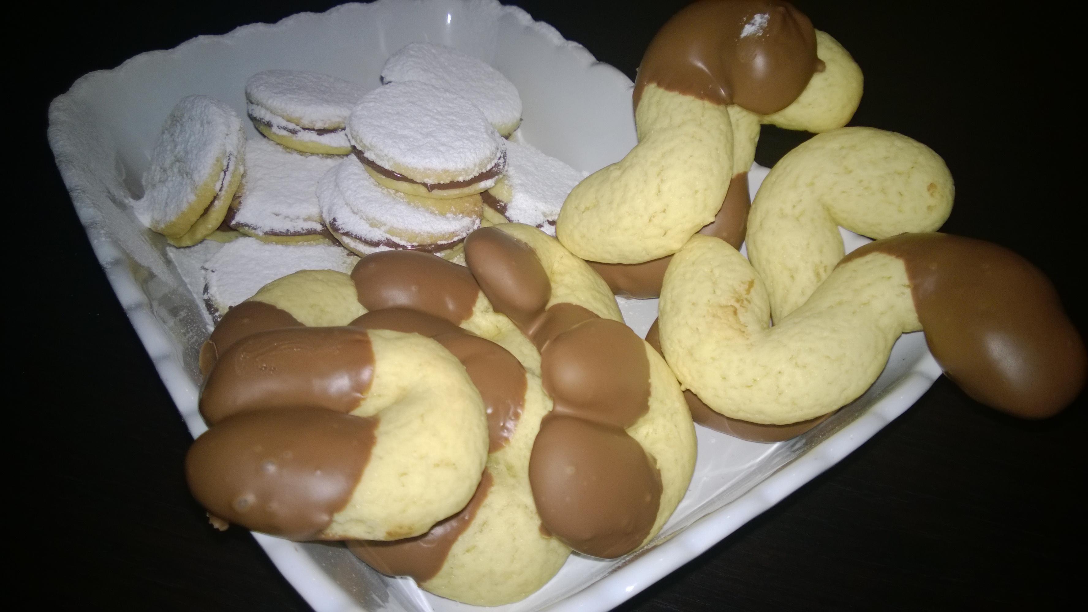 Biscottini al burro nella mia cucina - Bagno nella nutella ...