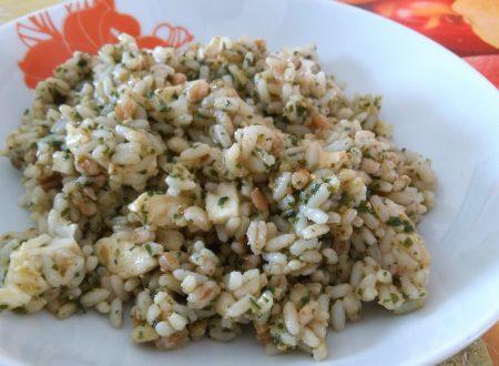 insalata ai 3 cereali con pesto e mozzarella
