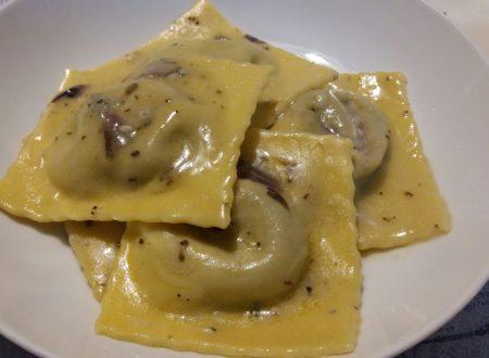 ravioloni radicchio e gorgonzola