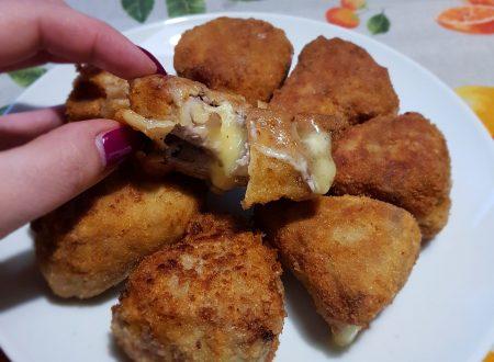 triangoli di brie fritti