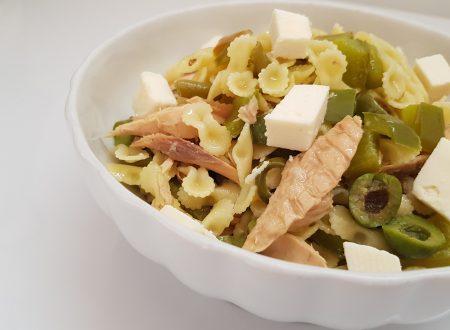 pasta fredda con friggitelli,olive verdi,fagiolini,feta e tonno