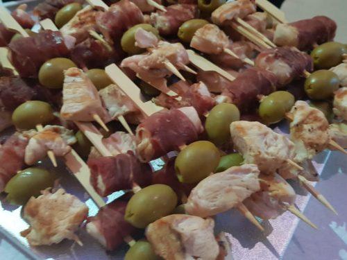 spiedini di pollo e olive