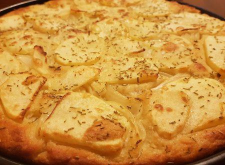 focaccia di kamut con patate,cipolle e rosmarino