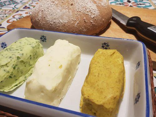 pane integrle con tris di burro