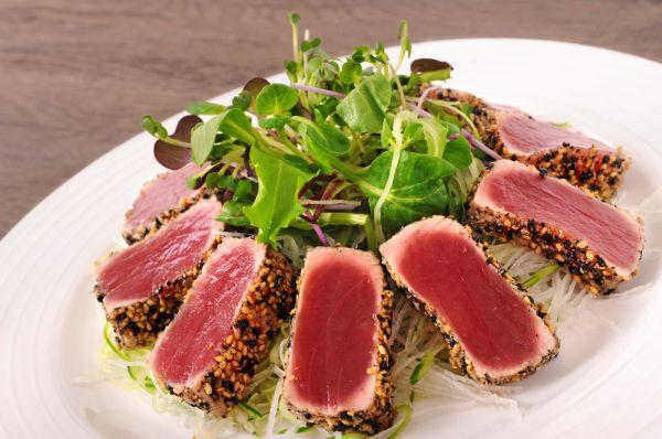 Tagliata di tonno al sesamo e aceto balsamico blog di for Cucinare tagliata