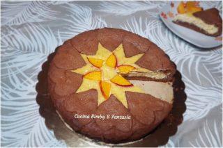 crostata al cacao con ripieno morbido di pesche