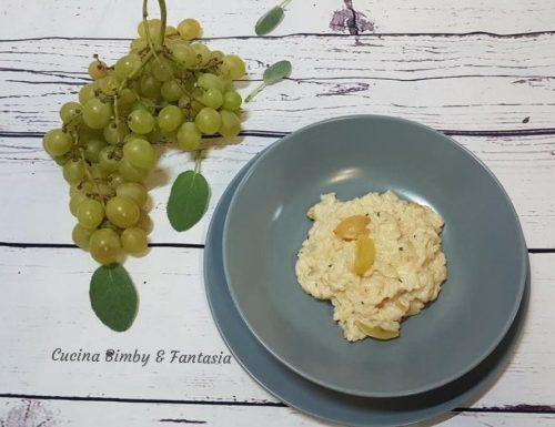 Risotto all'uva bianca e formaggio fresco