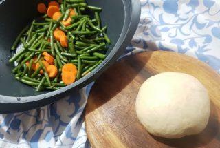Tortine salate con fagiolini e zarote