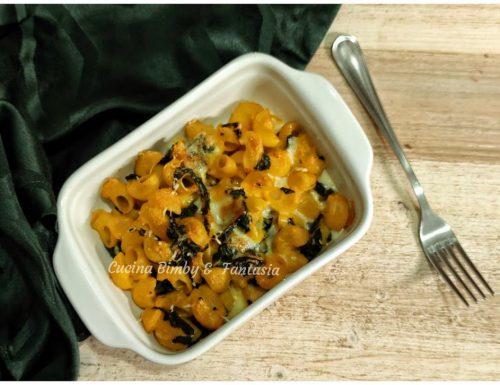 Pasta gratinata con zucca e cavolo nero