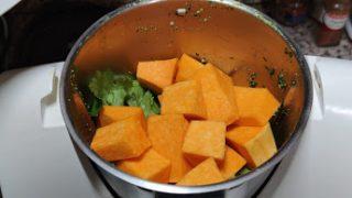 vellutata di zucca e sedano con frittata di spinaci