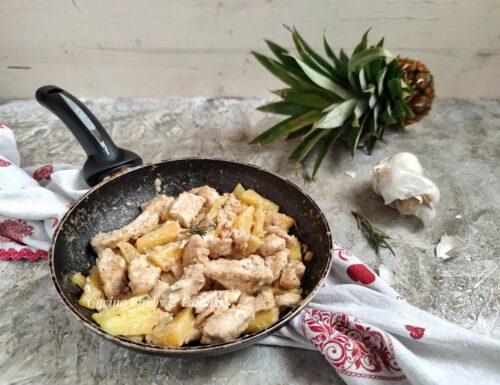 Petto di pollo all'ananas