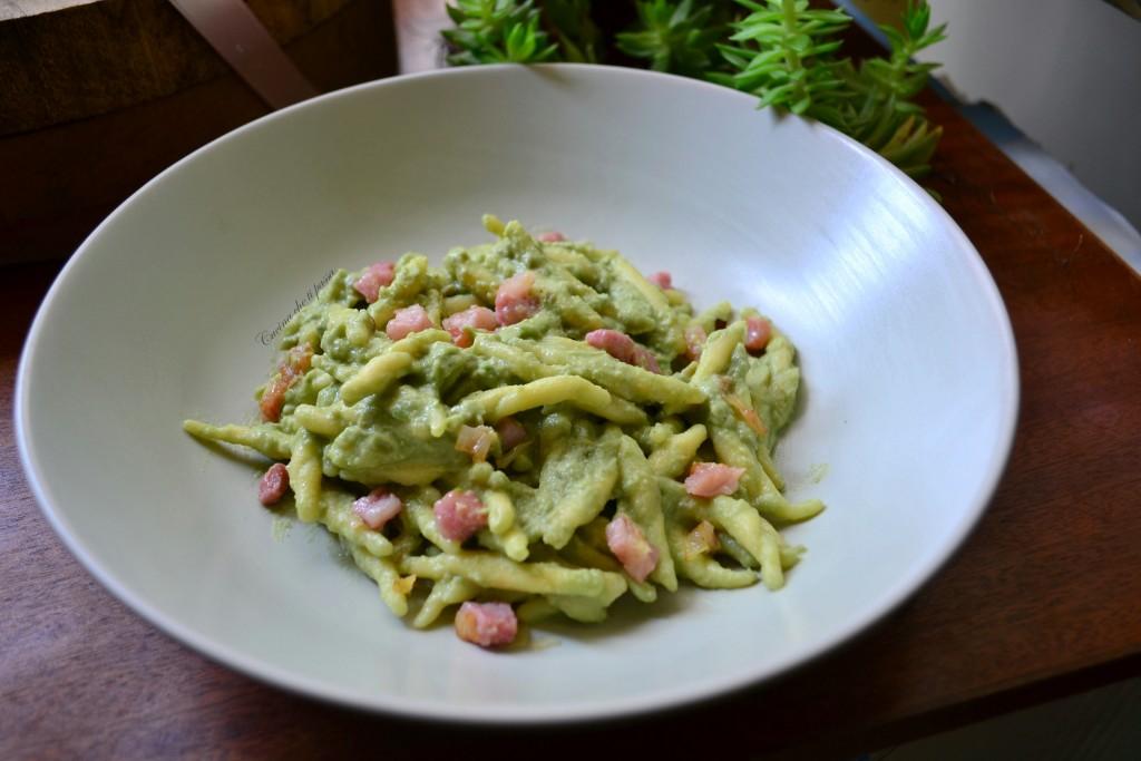 trofie con crema di avocado e formaggio ricetta (8)