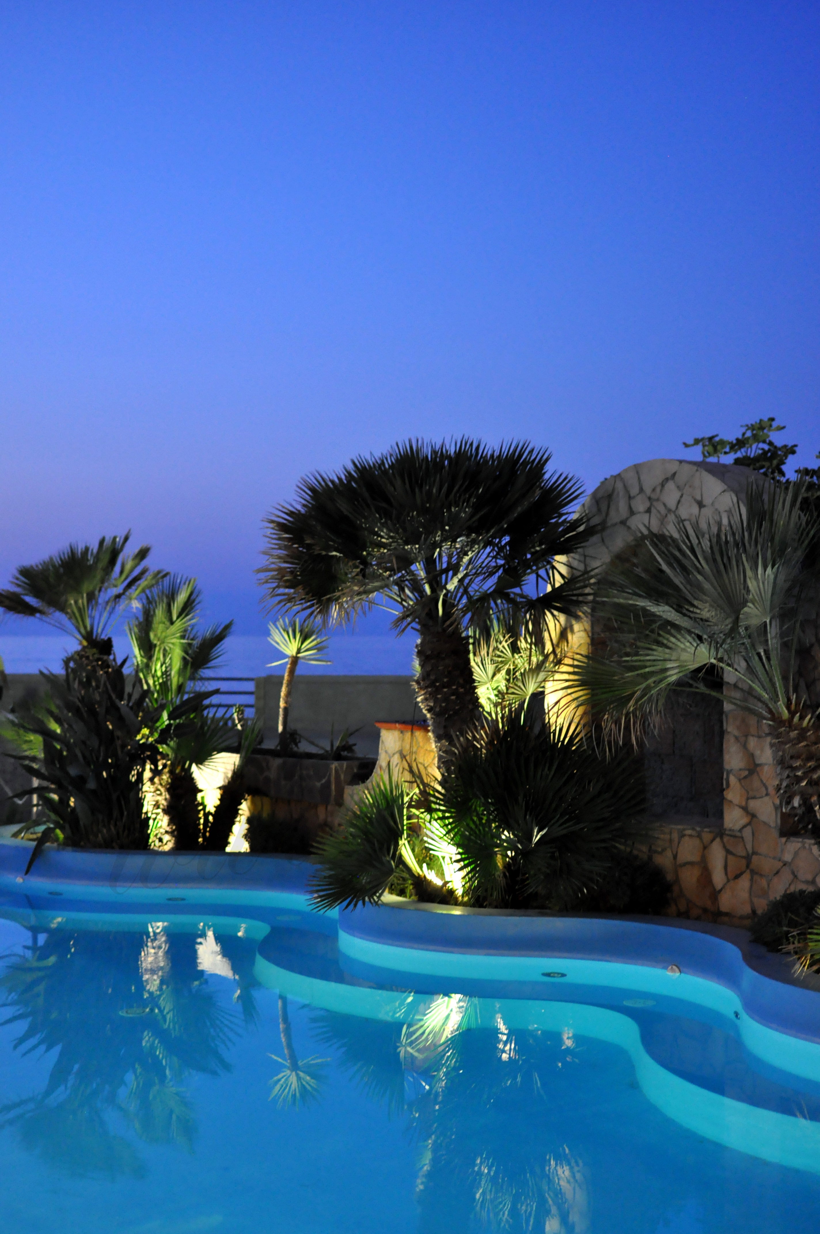 Hotel il gabbiano beach e groupon cucina che ti passa for Divanetti da balcone