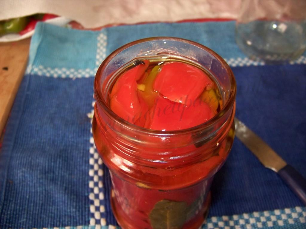 ricetta peperoni conditi sott'olio (12)