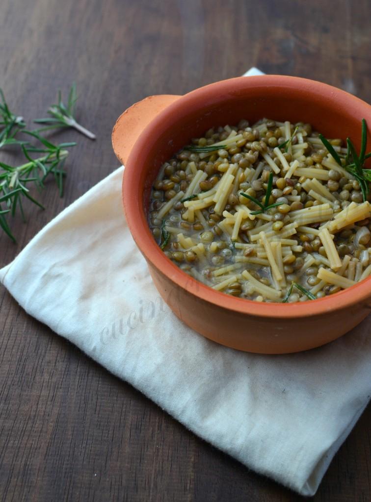 ricetta siciliana minestra di pasta e lenticchie (8)
