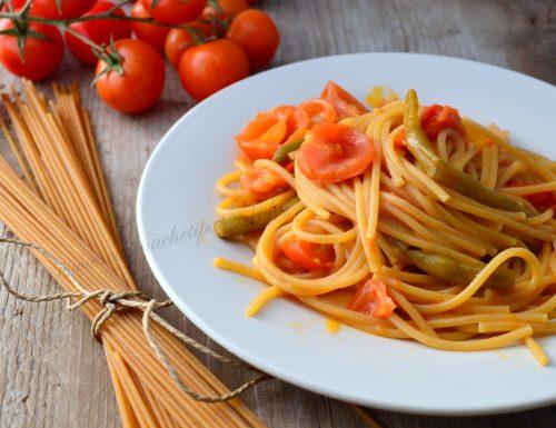 Spaghetti integrali con pomodori e fagiolini
