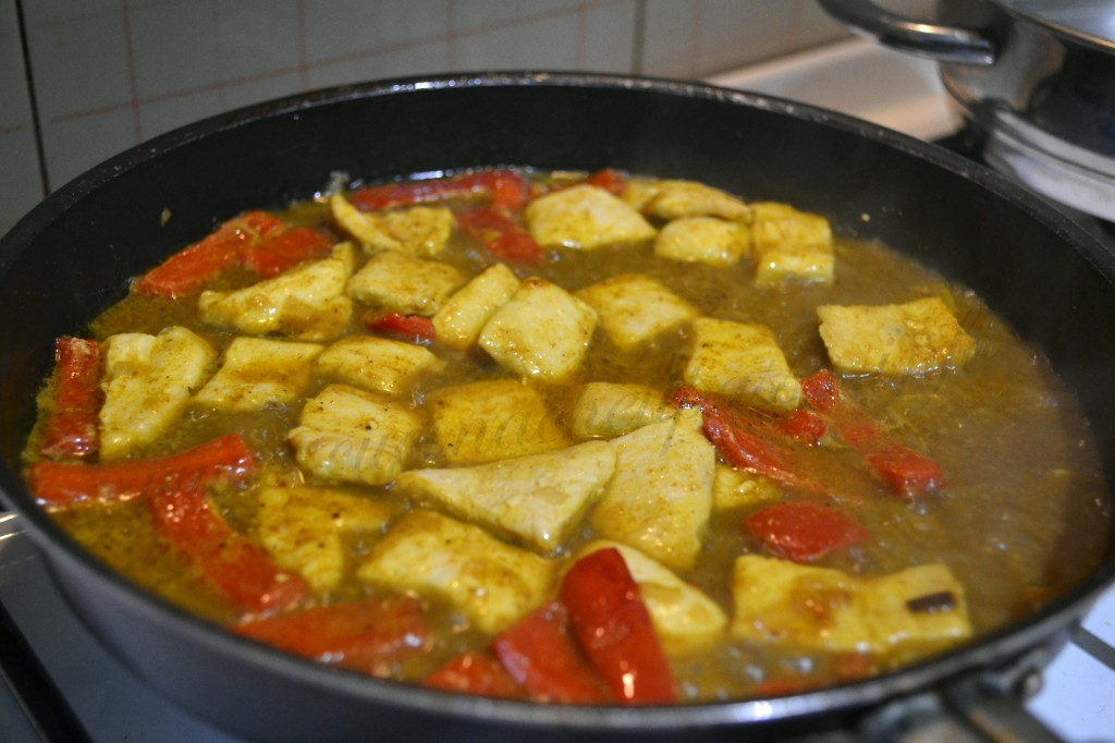 pollo al curry e peperoni ricetta (5)