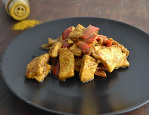 Pollo al curry e peperoni
