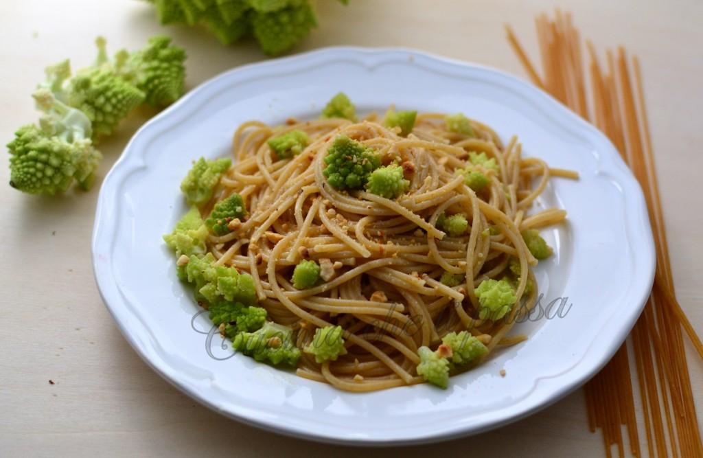 spaghetti integrali light con broccolo romano ricetta (32)