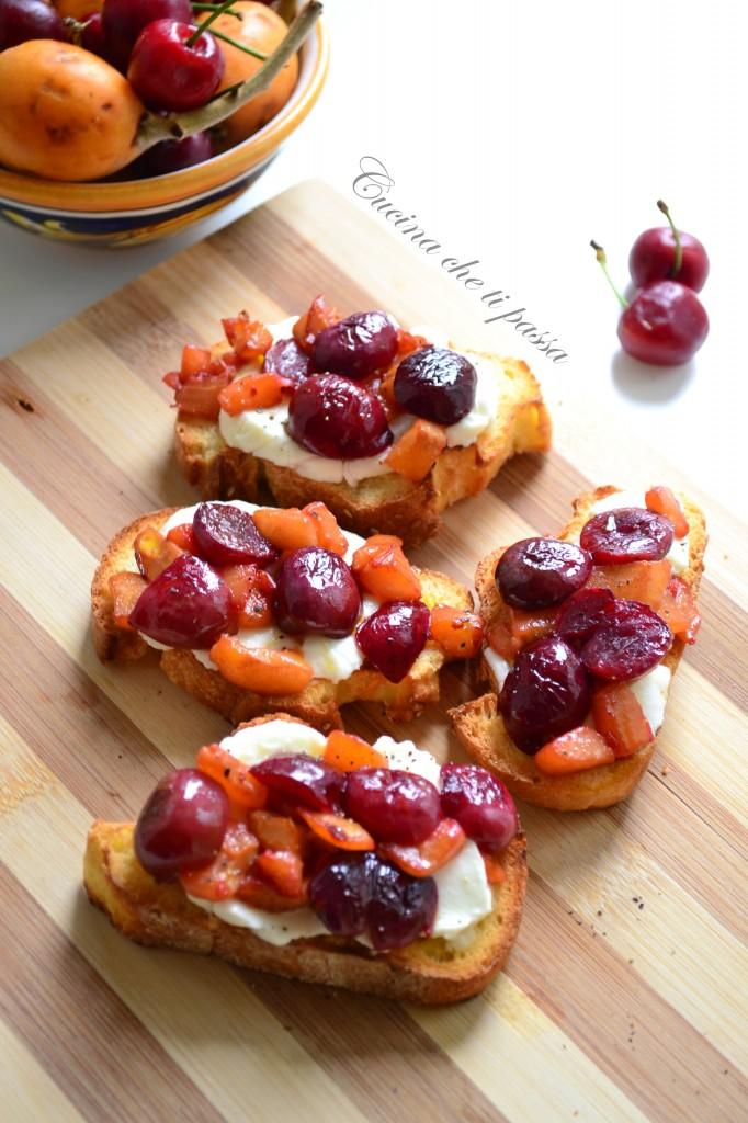 ricetta bruschette con ciliegie e nespole (27)