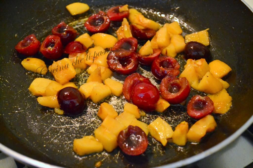 ricetta bruschette con ciliegie e nespole (5)