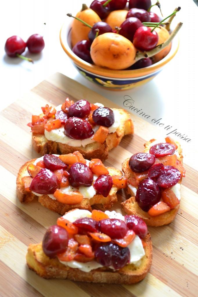 ricetta bruschette con ciliegie e nespole (9)