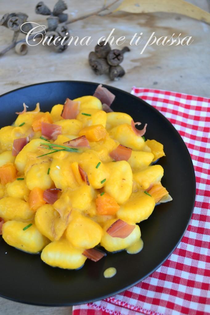 gnocchi con zucca e speck ricetta (19)