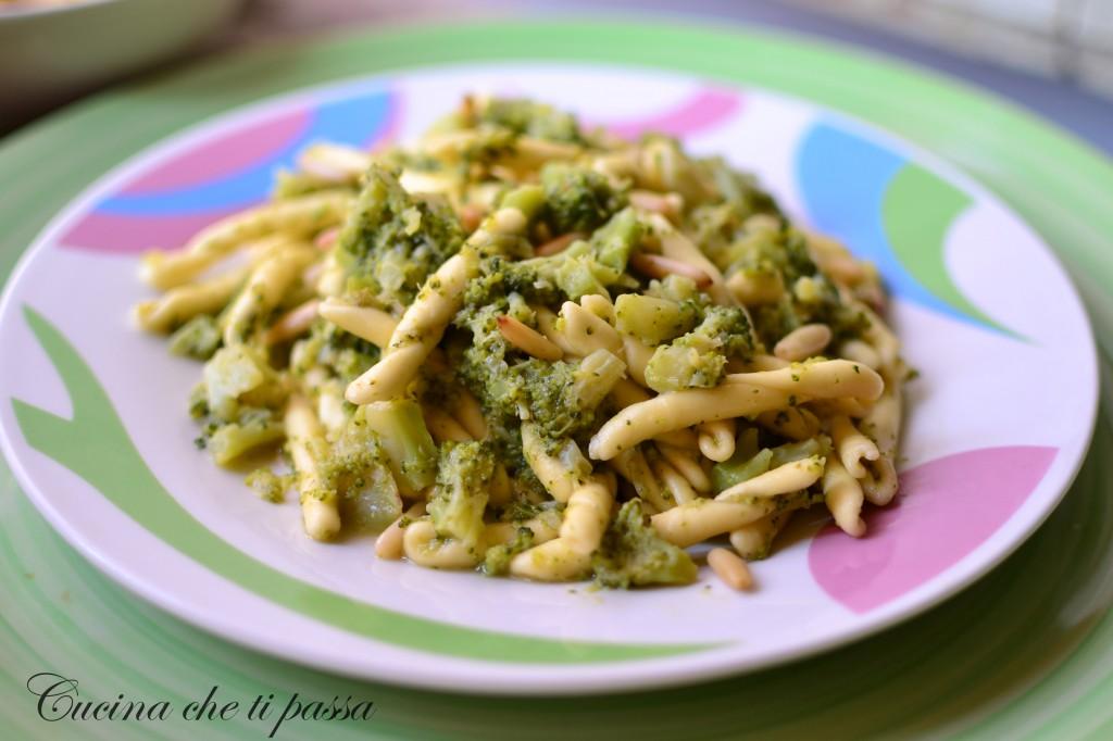 strozzapreti con broccoli ricetta light (8)