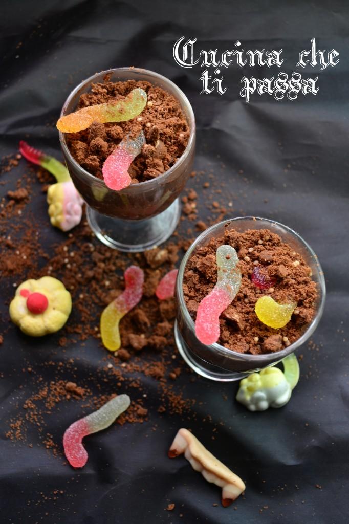 vasetti con vermi ricetta halloween (18)