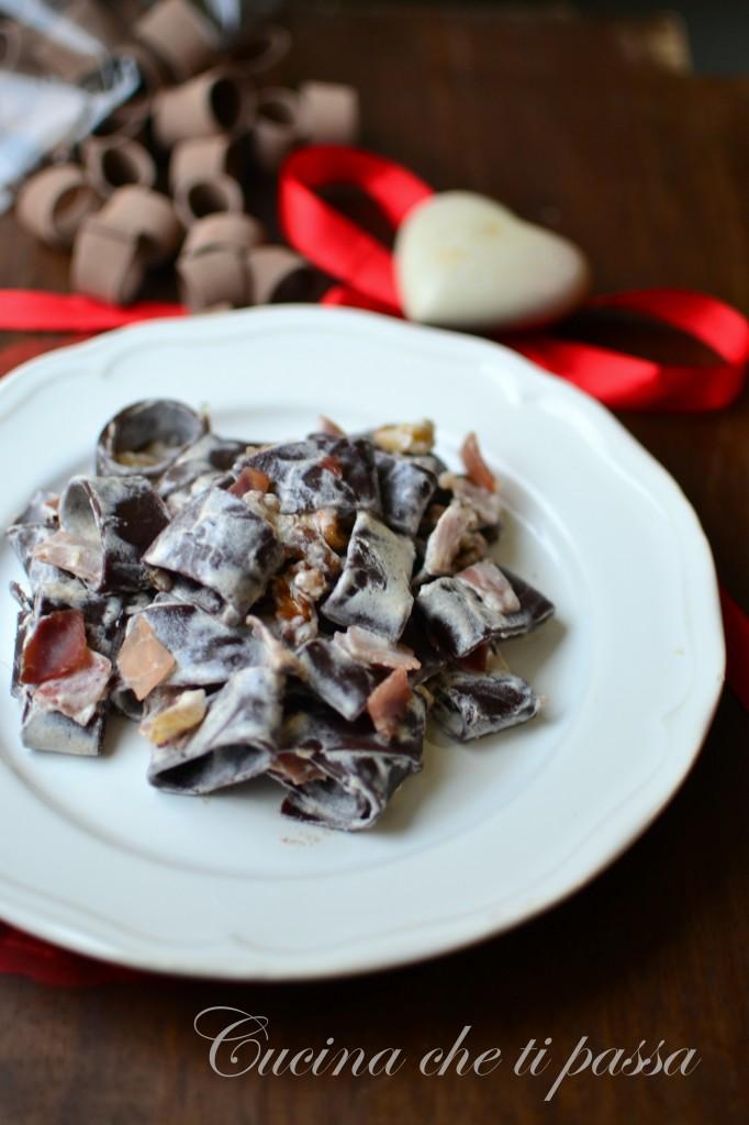 pasta al cacao panna e speck ricetta (15)