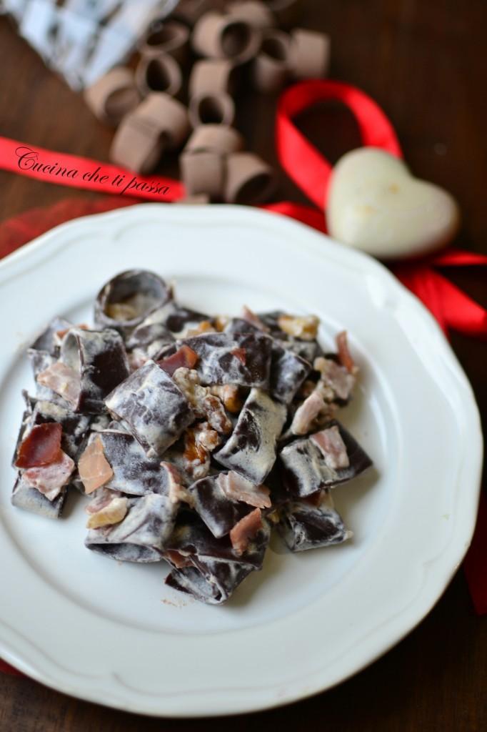 pasta al cacao panna e speck ricetta (34)