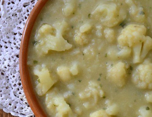 Zuppa di cavolfiore con patate