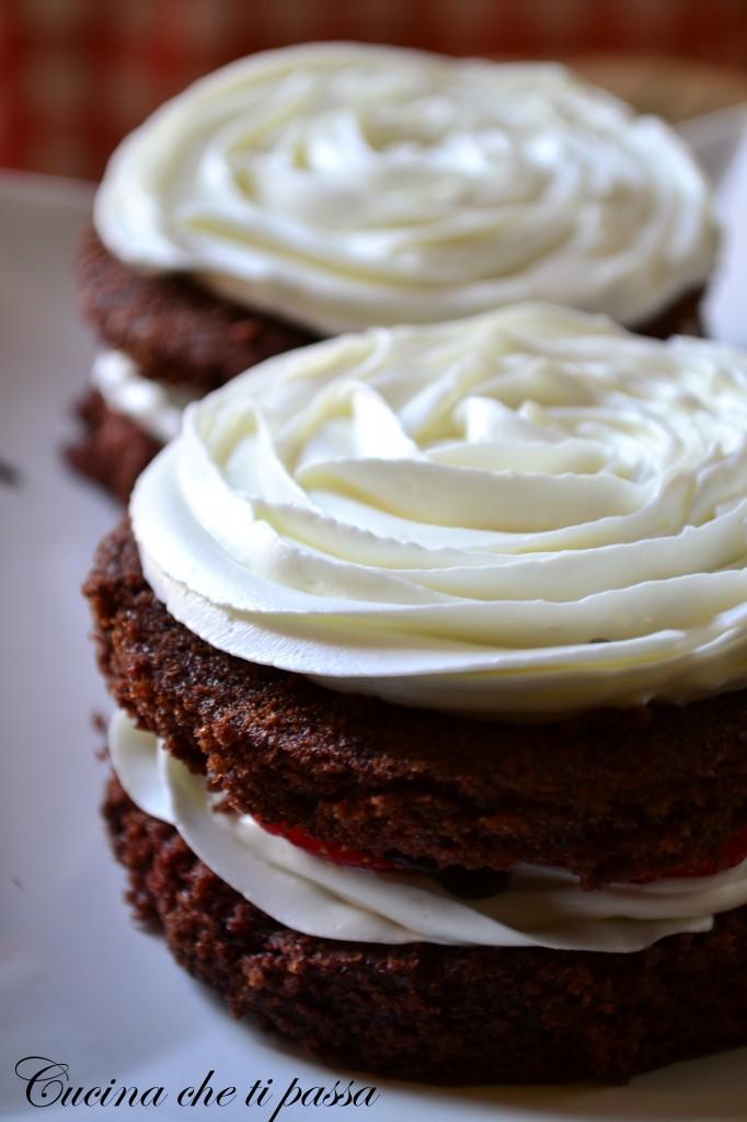 tortine al cioccolato e fragole ricetta (29)