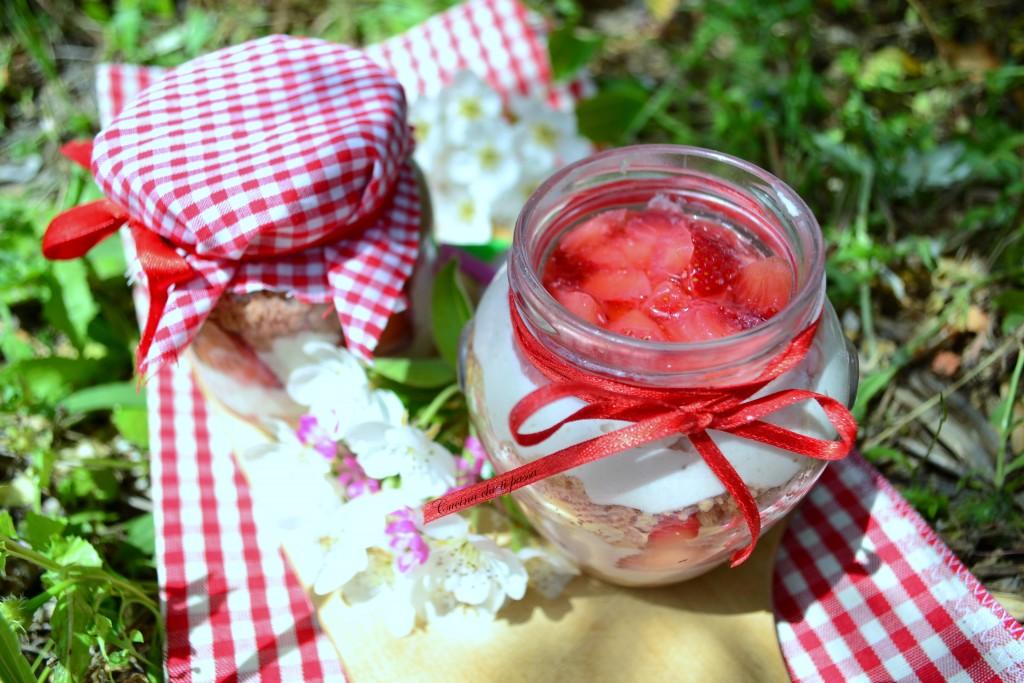 cheesecake in barattolo alla fragola ricetta picnic (13)