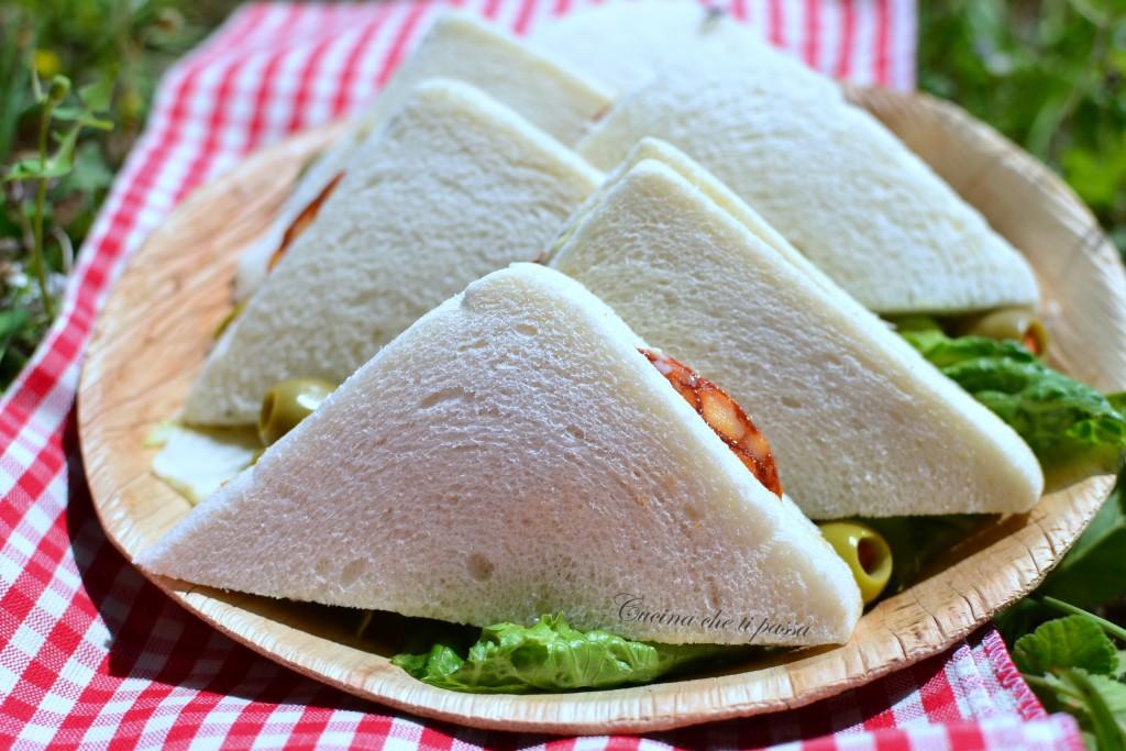 ricetta tramezzini con salame e carciofini (9)