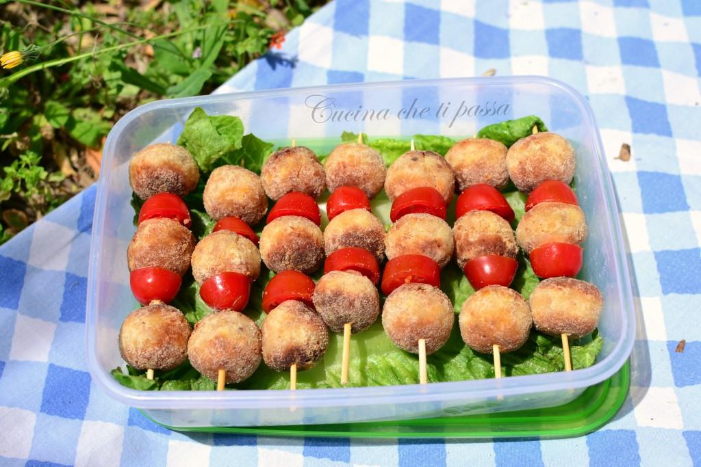 spiedini di patate di pane e ricotta ricette picnic (10)