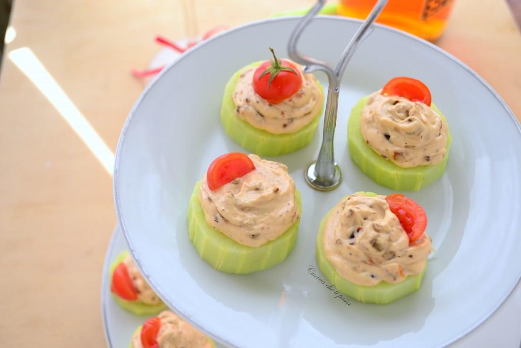 cetrioli con formaggio e pomodori ricetta antipasto (23)