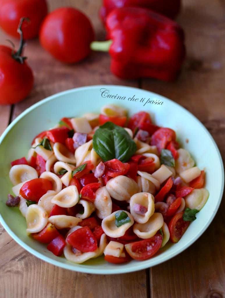 insalata di pasta con pomodori e pancetta ricetta (10)