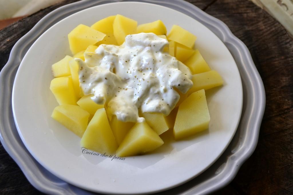insalata di patate e yogurt ricetta (18)